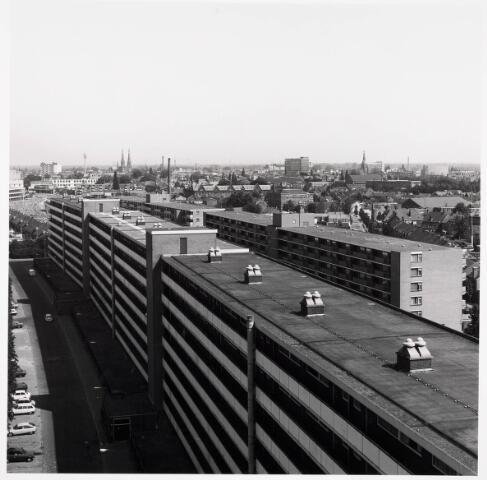 036345 - Panorama van Tilburg vanaf de flat aan de Hart van Brabantlaan.