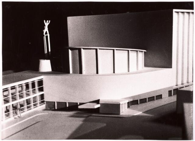 035547 - Maquette. Schouwburg aan het Stadhuisplein