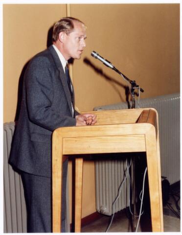 039266 - Volt. Noord. Directie, Management. Ir. J. Iding directeur van Volt van 1 januari 1982 tot en met 30 juni 1985. Hij deed bij het 75-jarig bestaan van Volt in 1984 een uitspraak die er op neer kwam dat de komende 75 weken voor Volt van meer belang zouden zijn dan de afgelopen 75 jaren. Dit bleek later ook maar al te waar te zijn.