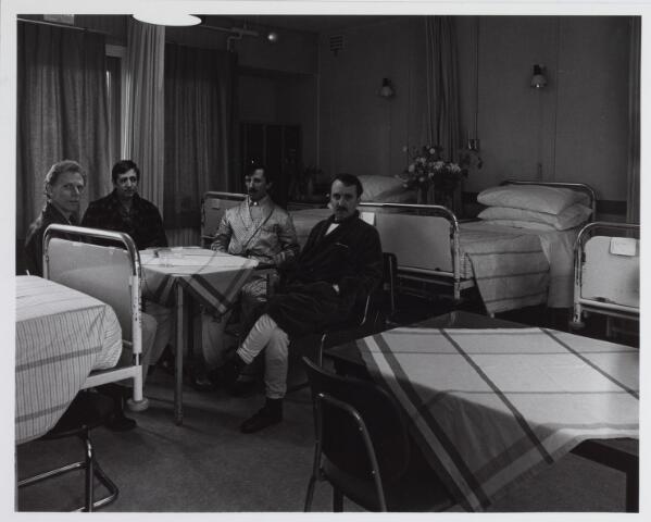 041779 - Elisabethziekenhuis. Gezondheidszorg. Ziekenhuizen. Patiëntenkamers in het St. Joseph-paviljoen van het St. Elisabethziekenhuis.