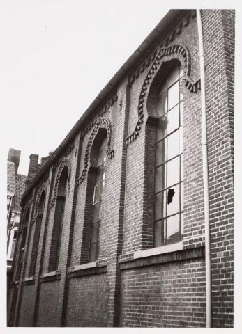 035241 - zijgevel van de Joodse synagoge aan de Willem IIstraat