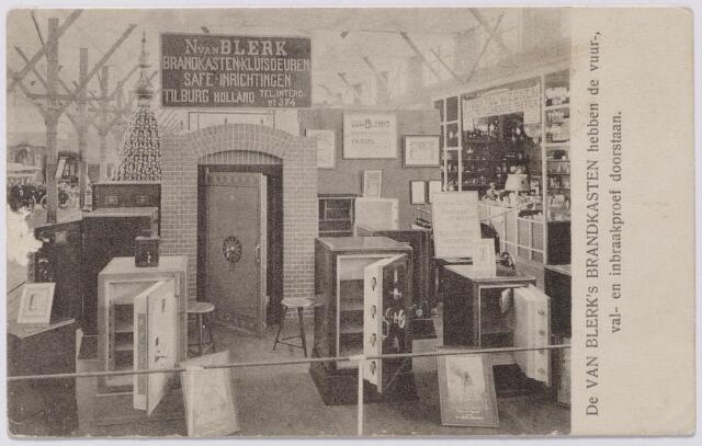 043906 - Stand van N. van Blerk, fabrikant van brandkasten en kluisdeuren, op de Internationale Tentoonstelling Tilburg Stad 1909.