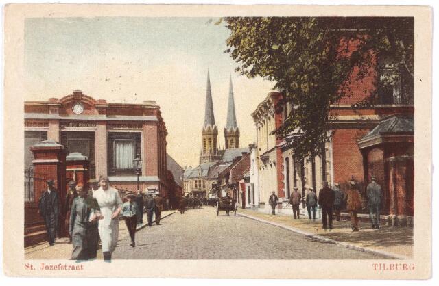 001359 - St. Josephstraat. Op straat fabrieksarbeiders op weg naar hun werk.