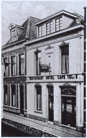 025583 - Hotel De Gouden Leeuw aan de Langestraat 16 - 18, eigendom van Th. Tuerlings omstreeks 1930