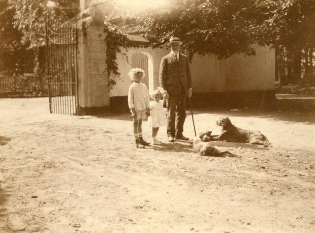 600678 - Jhr. Eugène Verheijen (met kleinkinderen?)