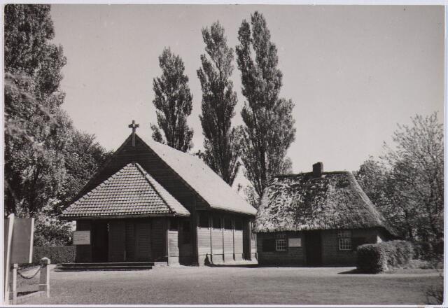 028198 - Kapel bij en geboortehuis van Petrus Donders