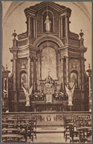 010832 - Priesterkoor met hoofdaltaar in de kerk van de kapucijnen aan de Korvelseweg.