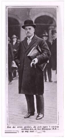 003672 - Henricus Maria Josephus (Henri) BLOMJOUS, geboren te Tilburg op 11 augustus 1877, aldaar overleden op 10 februari 1953. Volgde het gymnasium te Sittard; kwam daarna in de textielfabriek van zijn familie in Tilburg; huwde op 18 maart 1905 te Dordrecht met Maria Hermina Kolkman (1879-1939). Van 1912 tot 1920 had hij zitting in Provinciale Staten van Noord-Brabant voor de RK Staatspartij. Lid van de Eerste Kamer van 1920 tot 1946. Hij was mede-oprichter van Het Nieuwsblad van het Zuiden (1917) en o.a. president-curator van de RK Leergangen (1924-1953), curator van het Conservatorium en van de RK Handelshoogeschool (1927-1953), waarvan hij vanaf 1947 voorzitter was. Hij was ook voorzitter van de Nieuwe Koninklijke Harmonie. Onderscheidingen: ridder in de Orde van de Nederlandse Leeuw en ridder in de Kroonorde van Roemenië.