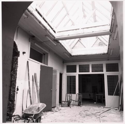033639 - Sloop van Jurgens Textiel BV aan de Tuinstraat 47a -49 ; op 8 januari 1976 is het bedrijf verhuisd naar Berkel-Enschot aan de Gen. Eisenhouwerlaan; thans ten behoeve van de woningbouw aan het Spinnerspark geheel afgebroken.