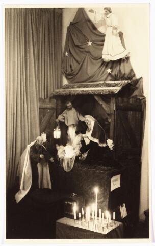 009958 - Kerstgroep in de St. Maartenskapel in de Koningswei.