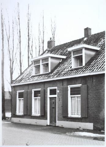 026720 - Pand Stokhasseltkerkstraat 21 begin 1965 dat moest verdwijnen in het kader van het uitbreidingsplan voor Tilburg-Noord. Tegenwoordig is dit de Mozartlaan