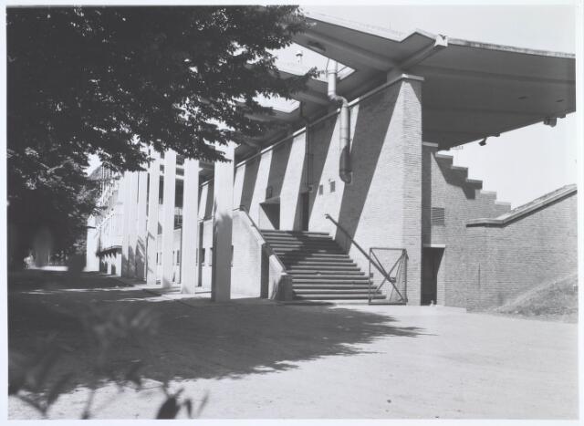 019759 - Opgang naar de hoofdtribune van het gemeentelijk sportpark aan de Goirleseweg