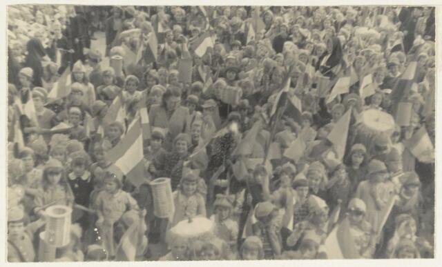 90868 - WOII; WO2: Made en Drimmelen. Bevrijdingsfeest 1945