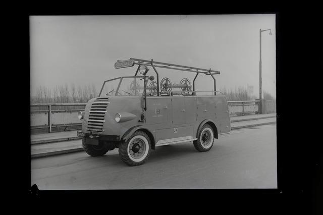 654830 - Chevrolet brandweerauto voor de gemeente Aarle-Rixtel. Deze werd gebouwd door de carrosseriefebriek.Remmers uit Tilburg.