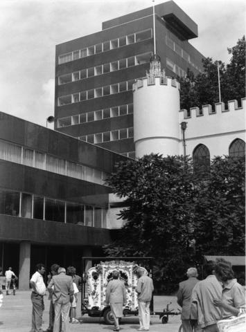 1238_F0321 - Stadhuis en stadspaleis Tilburg gezien vanaf het Willemsplein