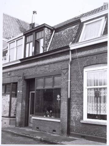 017231 - Voormalig winkelpand Capucijnenstraat 46 eind 1978