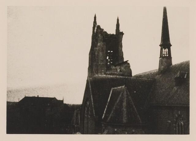 083828 - WOII; WO2; Oorlogsschade. Sint-Willibrorduskerk door artilleriebeschieting zwaar beschadigd