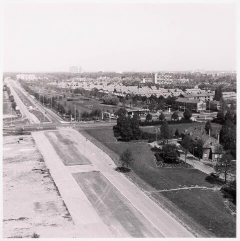 036497 - Panorama van Tilburg vanaf de bejaardenflat 't Laar.