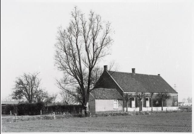 034024 - Voorgevel van Boerderij Vermeer aan de Mommersstraat 3. Thans ongeveer Vivaldistraat.