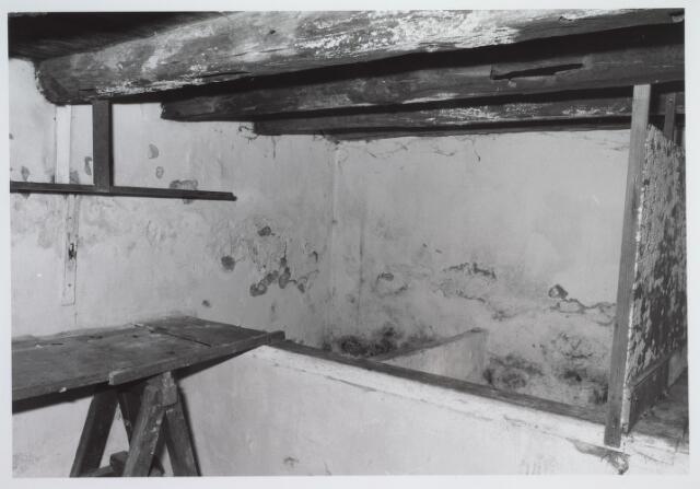 025683 - Kelder van het pand Leharstraat 109, gelegen onder het opkamertje