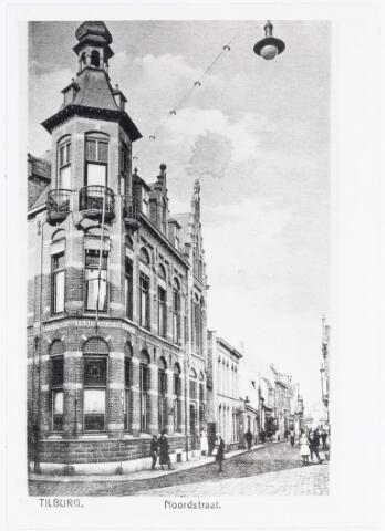 040028 - Noordstraat met links op de hoek van de Korte Schijfstraat de 'Vereenigde Tilburgsche Spaarbank'.