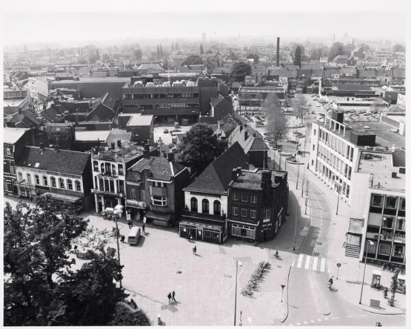 036388 - Panorama van Tilburg vanaf de toren van de Heuvelse kerk;