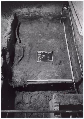 015762 - Archeologisch onderzoek in het pand Bokhamerstraat 13