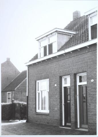 026714 - Pand Stokhasseltkerkstraat 17 medio 1965 dat moest verdwijnen in het kader van het uitbreidingsplan voor Tilburg-Noord. Tegenwoordig is dit de Mozartlaan