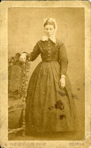 092906 - Onbekende Tilburgse burgervrouw.