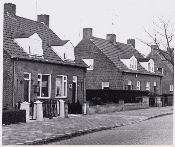 101564 - Woningen. Gemeente wil huizen opknappen aan de Havenweg