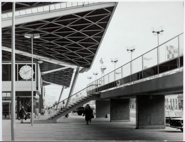 032027 - Spoorwegen: Station aan de Spoorlaan