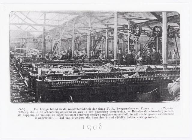 038067 - Textielindustrie. Brandschade aan het interieur van de wollenstoffenfabriek van de Firma F.A. Swagemakers en zonen. De brand was ontstaan in de scheerderij en verspreidde zich snel waardoor ook de nopperij, vollerij, machinekamer en berghplaatsen verloren gingen. Verschillende arbeiders werden tijdelijk ontslagen.