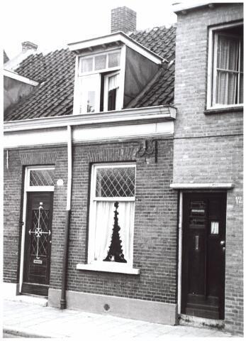 014984 - Pand Atelierstraat 13 anno 1959. Begin jaren ´60 werd het gesloopt vor de aanleg van een city-ring rond de binnenstad.