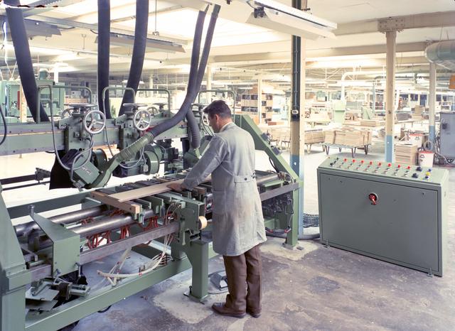D-001674-3 - Schiedamse Lederwarenfabriek, Smidspad