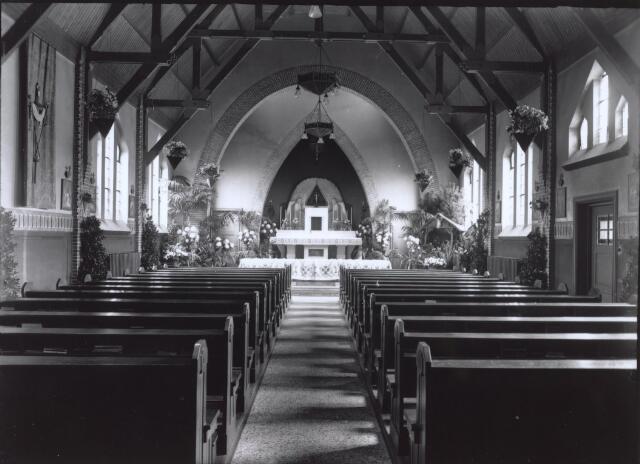 026782 - Interieur van de kapel van Huize Nazareth in december 1936