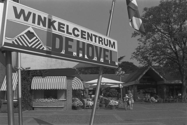 TLB023002704_002 - Winkelcentrum De Hovel in Goirle.