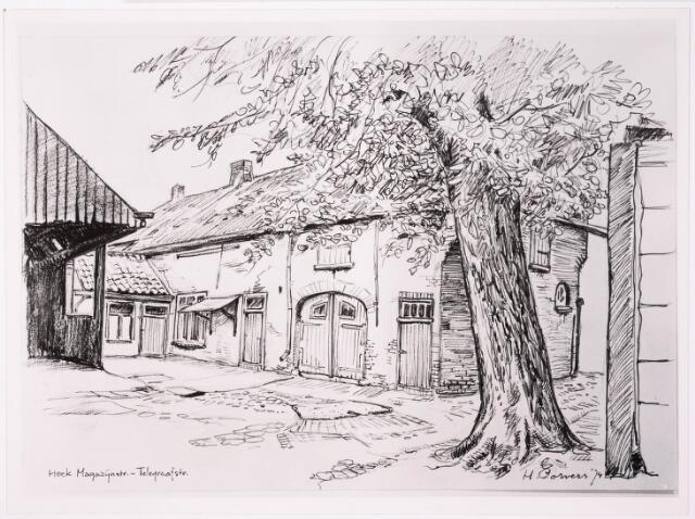 033171 - Tekening. Tekening van H. Corvers van de achterzijde van de boerderij aan de Telegraafstraat 11; gebouwd in 1900 bijgebouwd in 1914; schuur afgebrand op 9 november 1932 en herbouwd in 1933; tot 1962 werd hier geboerd de boerderij is gesloopt in 1977