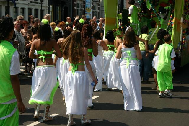 657401 - De T-parade. Een kleurrijke multiculturele optocht door het centrum van Tilburg. De vele culturen van Tilburg worden getoond.