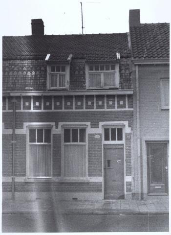 020428 - Pand Hasseltstraat 153a halverwege 1965