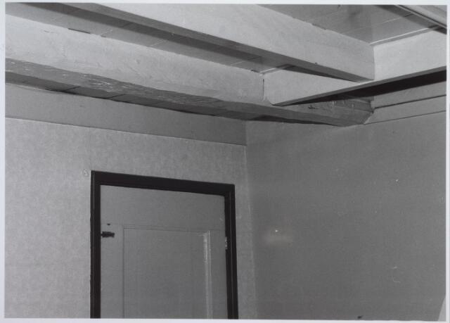 026552 - Molenstraat 1. Op foto afgebeeld de balk die kopgevel koppelt met een spant