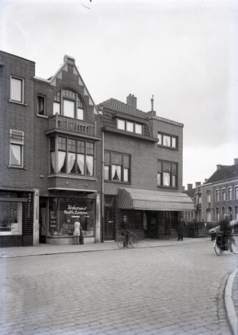 650618 - Schmidlin. Noordstraat nabij de spoorwegovergang naar de Gasthuisstraat.