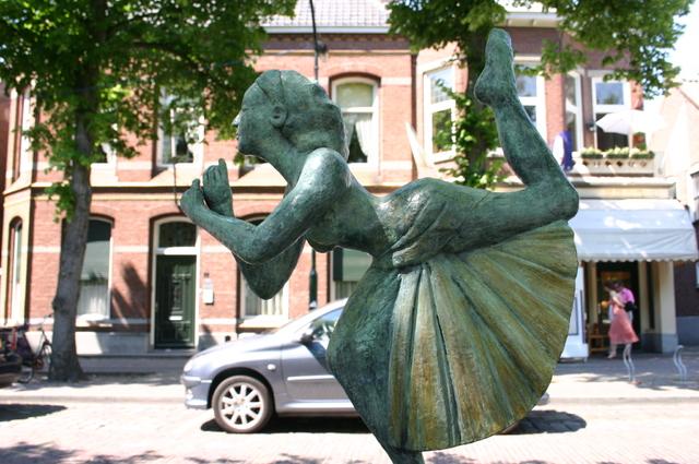 657188 - Kunst. De derde editie van de openluchtexpositie Oisterwijk Sculptuur langs De Lind in 2006.