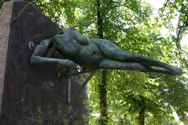 657175 - Kunst. De derde editie van de openluchtexpositie Oisterwijk Sculptuur langs De Lind in 2006.