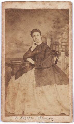 004963 - Rosalia Maria KNEGTEL geboren Tilburg 1839 , overleden Princenhage 1899, dochter van Antonius Nicolaas Knegtel (Tilburg 1799-1857), tabakshandelaar en ijkmeeter,  en Anna Elisabeth van den Muijsenbergh (Tilburg 1806-1857).