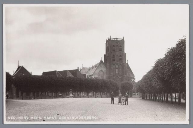 058202 - De Ned. Hervormde kerk aan de Markt