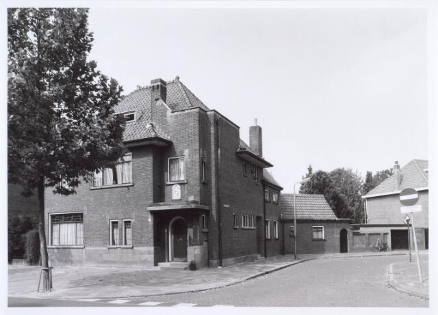019411 - Pand Goirkestraat 67, op de hoek met de Kapelstraat (rechts)