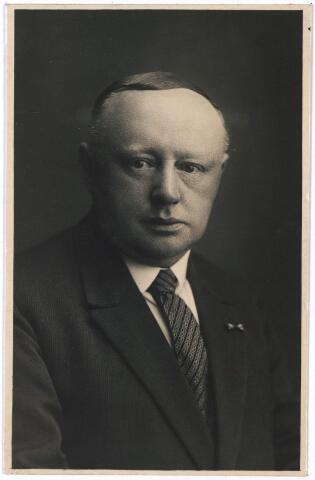 005582 - A.Th. van Rijen, raadslid sinds 27 december 1909, wethouder sociale zaken sinds 10 mei 1918.