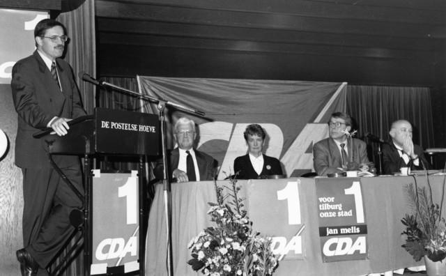 1238_F0137 - Bijeenkomst van het CDA in de Postelse Hoeve. Aan het woord Prof. dr. E.M.H. Hirsch Ballin.