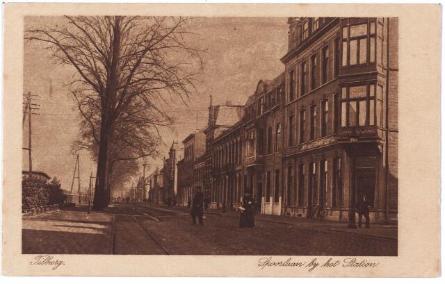 002155 - Spoorlaan richting Heuvel. Rechts ingang Langestraat.