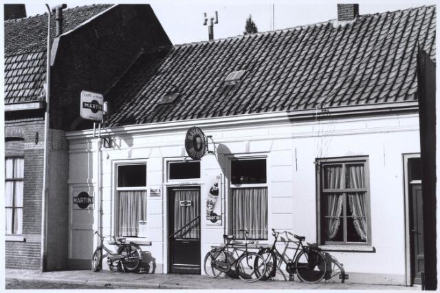 024449 - Café De Schijf in de Korte Schijfstraat eind 1965